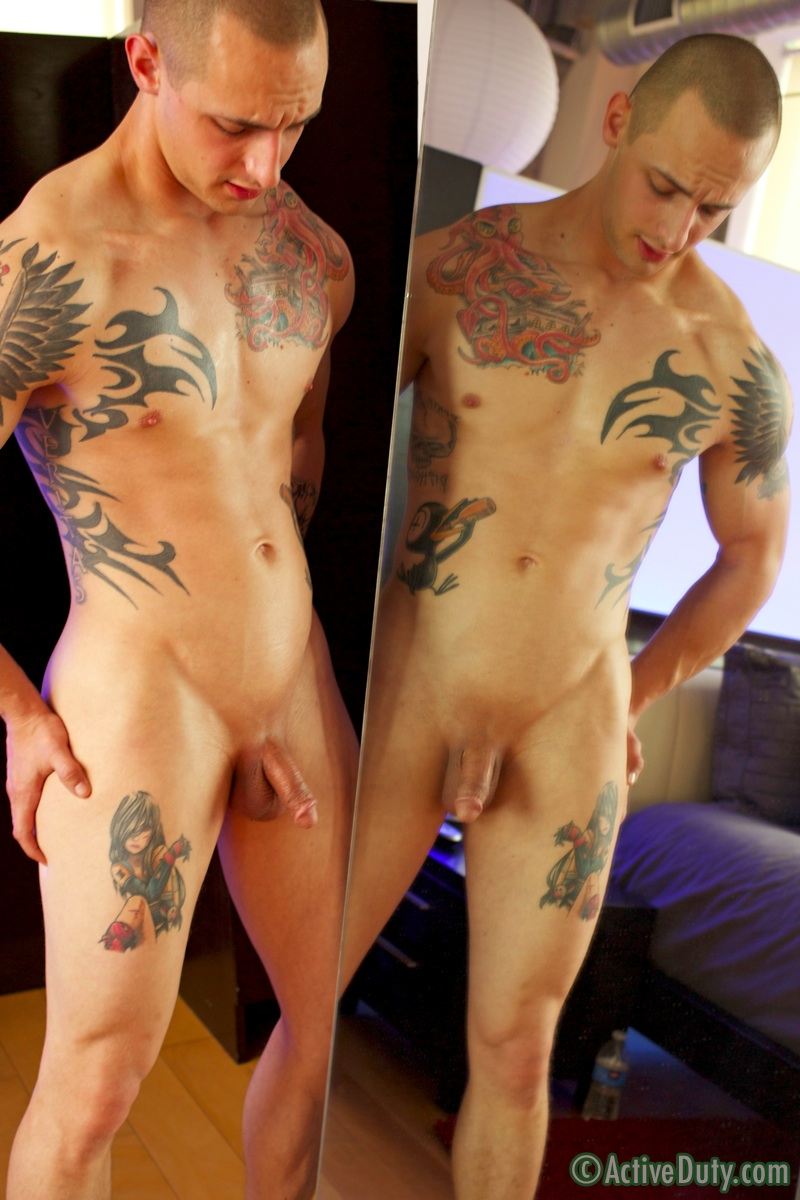 Outgoing, bald inked straighty railing bottoms ass into single guys