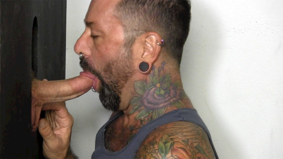 Hunky Militar Gets A Bj At The Gloryhole