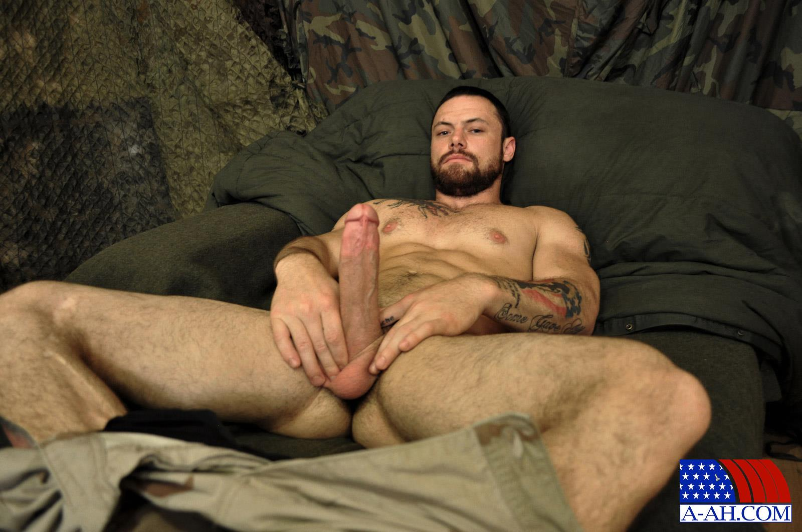 naked military men cumshot