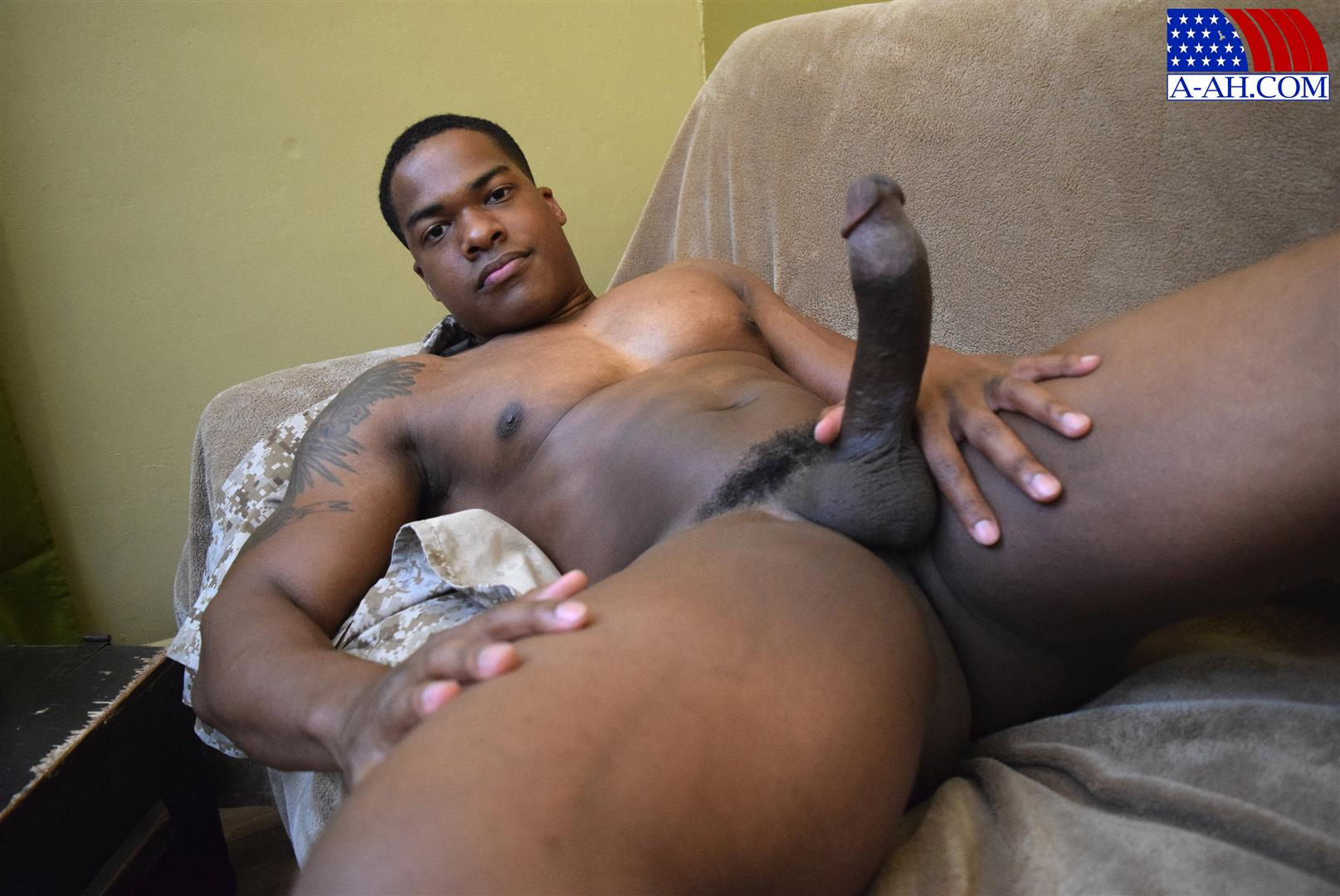 All-American-Heroes-Sean-Muscle-Navy-Petty-Officer-Jerking-Big-Black-Cock-Amateur-Gay-Porn-04 Big Muscular Black Navy Petty Officer Jerking His Big Black Cock